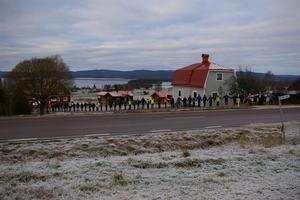 Drygt 50 personer kom till mötet vid Holens bystuga för att stoppa en ny sträckning av E45:an närmare Orsasjön. Foto: Tord Häggström
