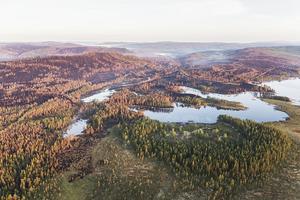 Bilder från branden i Fågelsjö, Härjedalen. Det avbrända området i skogarna kring Fågelsjö beräknas till över 4 000 hektar, och utgör därmed en av de största bränderna under sommaren 2018. Bild: TT