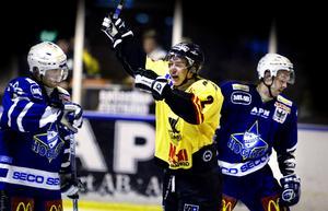 Ingen comeback. Trots en del rykten som placerat Fredrik Sandgren för en comeback i VIK kommer det enligt uppgift till Sporten inte att bli så.
