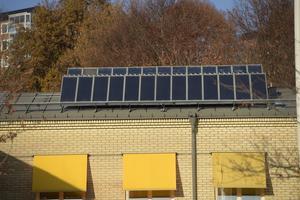 Tak med solceller. Foto: Fredrik Sandberg/TT