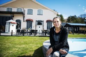 För två år sedan tog Mimmi Siezing över Carlsvikspiren. Nu vill hon sälja restaurangen.