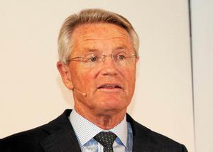 Affärsområdet SMT:s lönsamhet måste gå upp från dagens 4,6 procent till 10 procent inom de kommande två åren.  – Vi har problem där och ligger för lågt trots bra efterfrågan. Vi har sålt delar av verksamheten och gjort neddragningar i Sandviken, men vi har ett stort arbete framför oss. Med den nya ledningen på plats ska vi få upp lönsamheten, säger Björn Rosengren, vd för Sandvik.