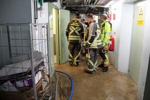 Brandmän anlände till Parkbadet på torsdagsförmiddagen.