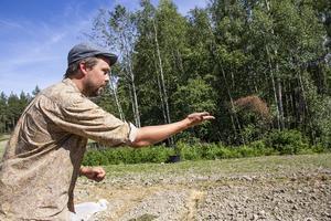 Gröngödsling är en stor del av den veganska odling som Dan och Josefin använder sig av. Gröna växter så som honungsört bidrar till att binda viktiga näringsämnen i jorden inför kommande säsong.