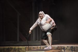 Chris Lysack som Monostatos. Fotograf: Andreas Hylthén.