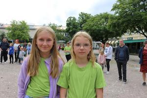 Julia Kristensson och Isabelle Rasmussen har gått på lägret och tyckte det var väldigt kul att komma ner för att lyssna.