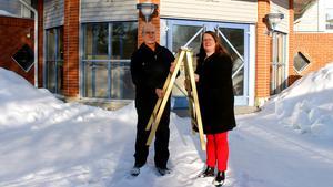 Lars Holm, Företagarna Timrå och Christina Eriksson, projektledare Guldstegen 2018, hoppas att flytten till Bergeforsparken ska lyfta galan.