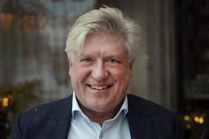 När Lars-Jerker Molin fyllde 50 år var planen att ta det lite lugnare och inte jobba så mycket, men så blev det inte. Då ägde han ett hotell, nu tio år senare är han delaktig i att driva tio.