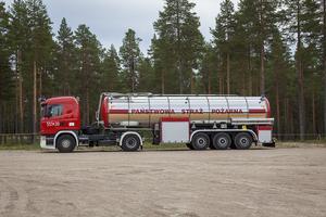 Det polska brandförsvaret har rejäla tankbilar.