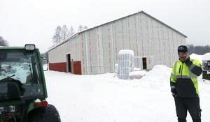 Redan i mars invigs Lindesbergs golfklubbs nya padelhall om bygget går som planerat.