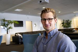 Albin Jansson vill flytta hemåt med familjen och är ny strategisk affärsutvecklare på Wikinggruppen.