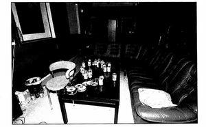 Bild från polisens förundersökning. En interiörbild från mc-lokalen efter mordet.