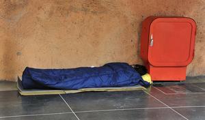 Skribenten vill utreda de hemlösas situation. Foto: Hasse Holmberg/TT