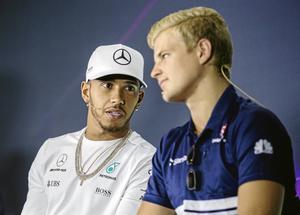 2016: Marcus och Lewis Hamilton under en presskonferens i Tyskland. Arkivfoto: Veronika Ljung-Nielsen