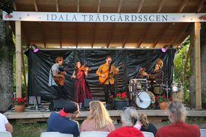 Från vänster: Arvid Rask, Thea Åslund, Erik Rask och Mischa Grind.