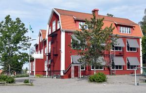 Fördelen med Kyrkskolan är precis som med övriga i utredningen, att de är små enheter där personalen trivs och där barnen blir sedda, skriver Per Andersson.