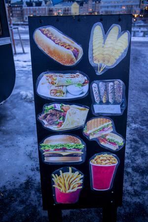 Något av utbudet av den arabiska snabbmaten från matvagnen.