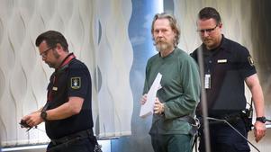 Ulf Borsgtröm, känd som Gryningspyromanen , fotograferad i Västmanlands  tingsrätt 29 maj vid en rättegången  mot honom.
