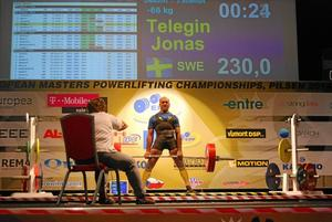 Starka lyftare. Noralyftarna Jonas Telégin och P-O Larsson tog flera medaljer på EM i Tjeckien.