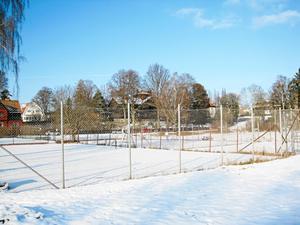 Ett område vid Fridnässkolan som är aktuellt för lägenhetshus.