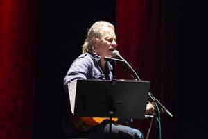 Stefan Sundström turnerar i anslutning till sin nya skiva