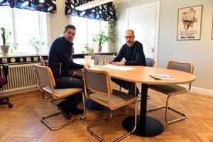 Christer Persson och Michael Rocking avser att starta en friskola i Mora. Det kommer dock dröja till september innan de får något besked kring huruvida det är möjligt.