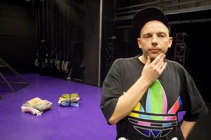 Mattias Brunn, regissör, manusförfattare och konstnärlig ledare för Folkteatern.