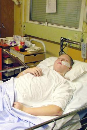 Efter att ha vårdats på intensiven i flera veckor flyttades Fredrik över till barnavdelningen på Akademiska sjukhuset. Bilden är från 2009.