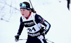 Sara Andersson är även en av de bästa i Sverige i sin ålderklass i längdskidor, där hon tävlar för IFK Mora.