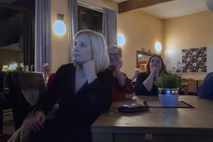Julia Cedermark tycker det är viktigt att hjälpa varandra för att göra Vågbro tryggare.