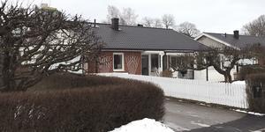 Korngatan 18, Sala, såldes för 2 400 000 kronor.