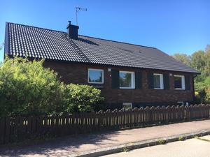 Villan på Laxgatan i Västerås bytte ägare för knappt 4,2 miljoner.