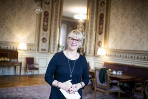 Margot Wallströms avgång kom knappast som en överraskning. Hon hade bland annat lagt ner sin själ i arbetet med utformandet av FN-konventionen om förbud mot kärnvapen. Hemma i Sverige möttes hon av beskedet att vårt land inte skulle ratificera konventionen. Foto: Pontus Lundahl, TT.