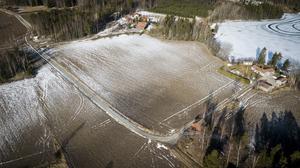 """""""Satsa på de byar som redan finns inom Fagersta kommun innan ni bygger nya"""", uppmanar insändarskribenten kommunens politiker."""