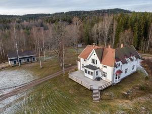 Disponentvillan har ett utgångspris på 1 495 000 kronor. Foto: My Friman, Svensk Fastighetsförmedling