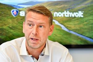 Northvolts vd Peter Carlsson i samband med att Scania satsar 100 miljoner i bolaget. Bild: Jonas Ekströmer / TT