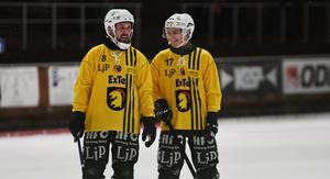 Johan Jansson Hydling tillsammans med fyramålsskytten Casper Ekström.