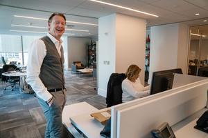 I dag sitter Hans Vestberg på kontor i New York och basar över 150 000 anställda.