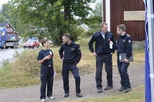 Staben för räddningsledningen i Särna med fr.v: Åsa Lunde, stabschef, Peter Bäcke stf räddningschef, Michael Voss, brandchef tyska styrkan och Johan Szymanski, räddningsledare.