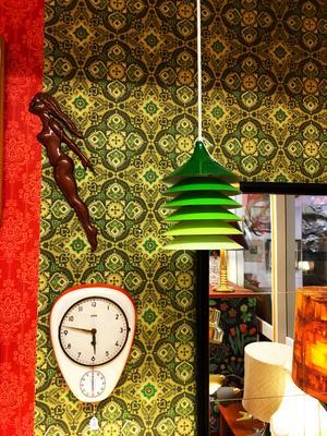Ikea-lampan Duett i lackad plåt designad av Bent Boysen 1983.