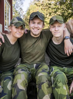 Linda Dahlgren, Zacharias Tidbeck och Mattias Martling från Försvarsungdom var inte oroliga över att bli trötta.