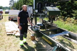 Rikard Davidsson från Kumla med Ecosågen. En enmanssåg som är lätt att flytta.