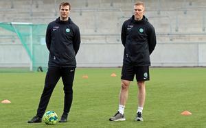 Mittfältaren Jonas Hellgren (till vänster) missar Dalkurd men nye mittbacken David Engström kommer till spel.