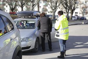 Kommunen har i flera år haft egna parkeringsvakter men nu har bolaget Q-Park tagit över. Bolaget kommer troligen att ansvara för övervakningen i åtminstone fyra år framåt.