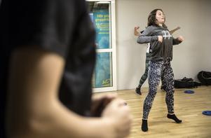 Jennie Busk under gympapasset när tidningen besöker träningen.