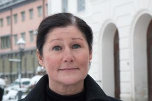 Annasarah Pavasson på Vård och omsorg tycker att det känns angeläget att kontrollera vilka som söker tjänster inom omsorgen. Hon är heller inte beredd att rumma på kraven i en nära framtid när antalet åldringar stiger och behovet av personal ökar.