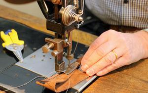 Med den här symaskinen från 1939 kan man sy väldigt grovt materia.