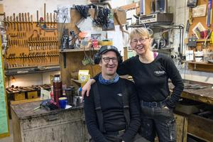 I 30 år har Elsa och Svante Djärv tillverkat verktyg för träsnideri och drivit sitt företag Djärvs Hantverk