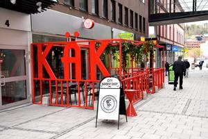 Under slutet av sommaren bytte restaurangen namn från käk till Good times.