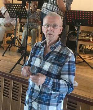 Tore Fischer som eminent lottdragare. Foto: Elisabet Yngström